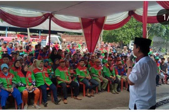 Wali Kota Bandarlampung berikan paket Lebaran ke tenaga kebersihan