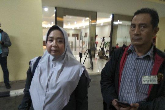 Istri: Mustofa Nahrawardaya kakinya sempat bengkak karena asam urat