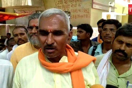 Pembantu calon yang menang dalam pemilihan India ditembak mati