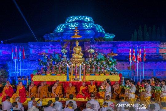 Ribuan umat Buddha peringati Waisak di candi Muara Takus Riau