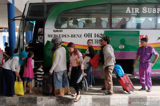 Loket angkutan mudik Lebaran di Terminal Mengwi naikkan tarif