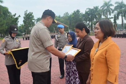 Mendagri berikan penghargaan anggota Polda Sumut gugur bertugas