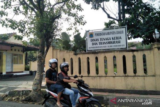 Disnakertrans Cianjur buka posko pengaduan THR