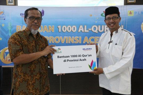 PT PLN serahkan 1.000 Al Quran untuk Provinsi Aceh