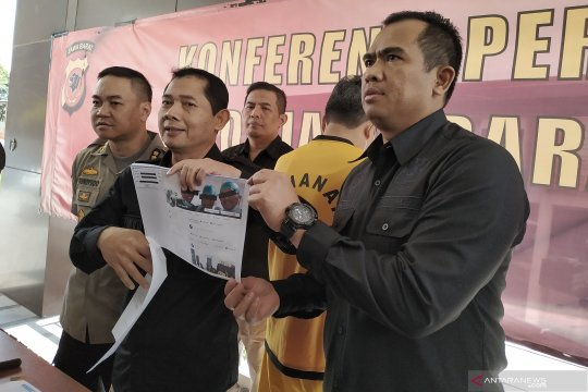 Dokter di Bandung menjadi tersangka kasus penyebaran hoaks aksi 22 Mei