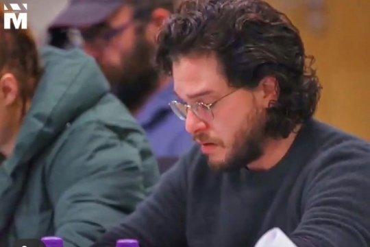Kit Harrington menangis saat baca naskah Jon Snow bunuh Daenerys