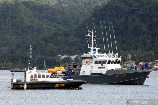 Gelombang dengan tinggi sampai empat meter bayangi perairan Maluku
