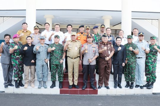 Gubernur ajak masyarakat jaga keamanan Sulut
