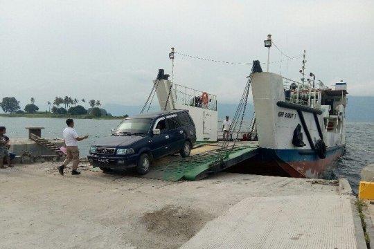 Aktivitas penyeberangan di Danau Toba masih normal