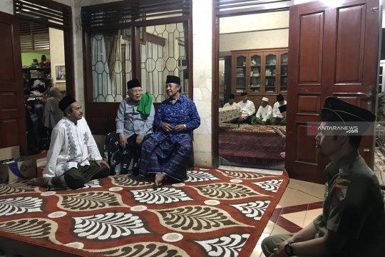 Jenazah KH Tolchah Hasan dimakamkan di Ponpes Bungkuk