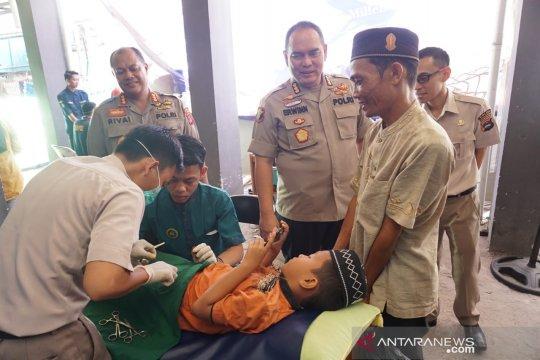 Bid Dokkes Polda Kalsel khitan764 anak selama Ramadhan