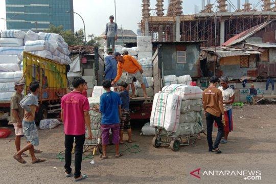 Pengusaha ekspedisi patuhi pembatasan jam operasional mobil barang
