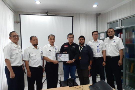 Karyawan AirNav Indonesia Banda Aceh serahkan donasi untuk Palestina