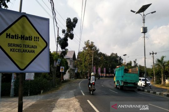 "Polres Kulon Progo pasang rontek keselamatan di ""black spot"""