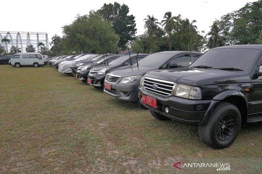 436 mobil dinas dikandangkan di rumah Gubernur Riau saat cuti Lebaran
