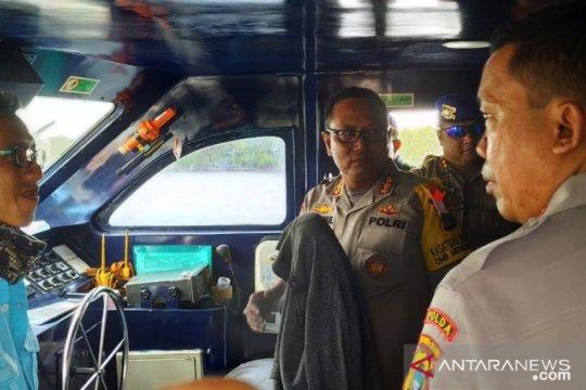 Polair Babel periksa alat keselamatan kapal angkutan Lebaran
