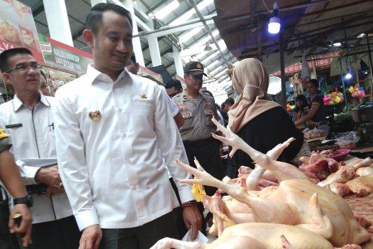 Wali Kota Palangka Raya pantau harga bahan pangan di pasar