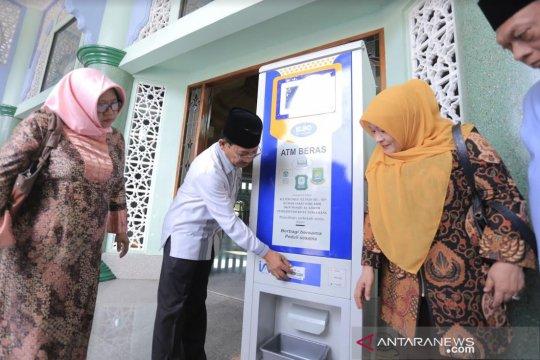 Masjid Al-Azhom dilengkapi ATM Beras karya lulusan UI