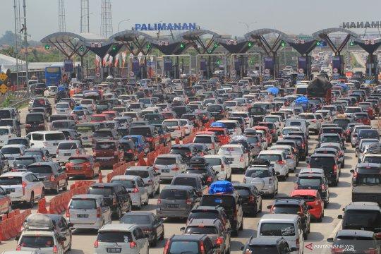 Operator prediksi Tol Cipali dilewati 104.000 kendaraan saat puncak