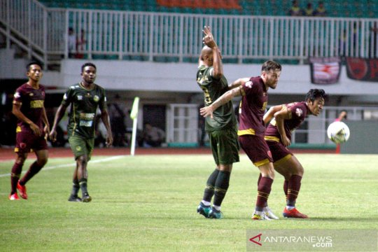 Imbangi PSM Makasar, Rahmad Darmawan apresiasi dukungan suporter