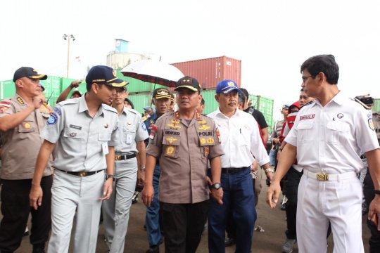Polda Kepri kerahkan 4 kapal patroli