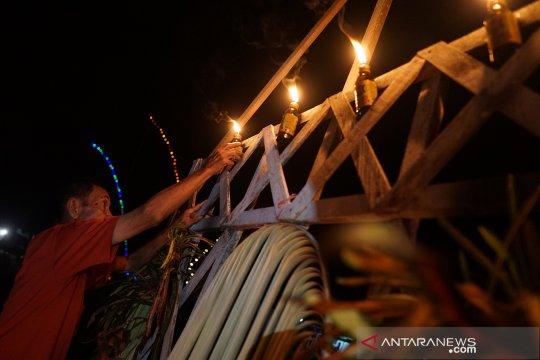 Bupati Gorontalo Berkomitmen Terus Lestarikan Tradisi Tumbilotohe