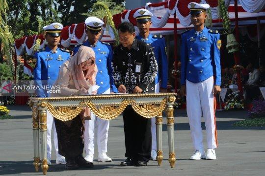 Pemkot Surabaya dan Lion Air Group kerja sama beasiswa penerbangan