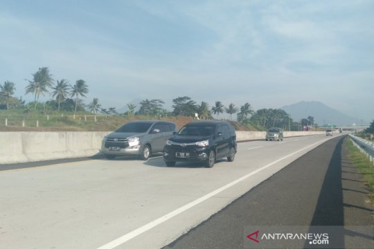 Kendaraan asal Jakarta mulai padati ruas Tol Boyolali-Solo