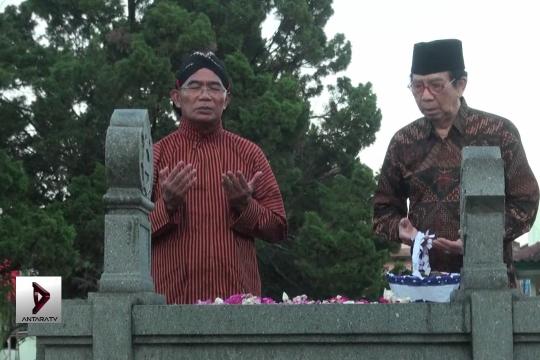 Mendikbud ziarahi makam Ki Hajar Dewantara