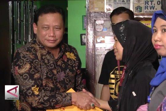 Bawaslu berikan santunan kepada keluarga pengawas TPS Duren Tiga