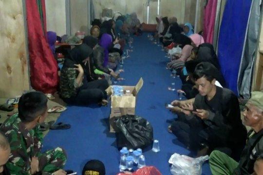 Bersama menyembuhkan duka di tempat pengungsian