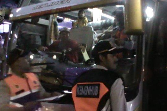 Dishub Kalbar periksa kelaikan jalan kendaraan penyedia jasa transportasi