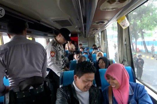 Razia di Pelabuhan Merak, polisi sasar bus penumpang tujuan Jakarta