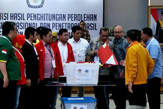 Rekapitulasi suara dari 7 provinsi dan 1 PPLN segera diproses