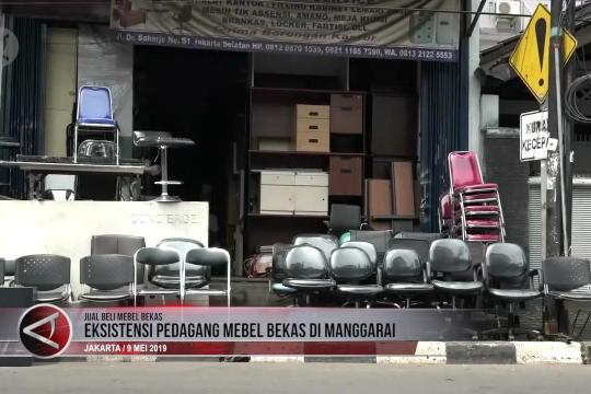 Eksistensi pedagang mebel bekas di kawasan Manggarai
