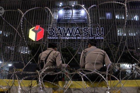 Suasana Sarinah mulai kondusif, Jalan Wahid Hasyim dibuka