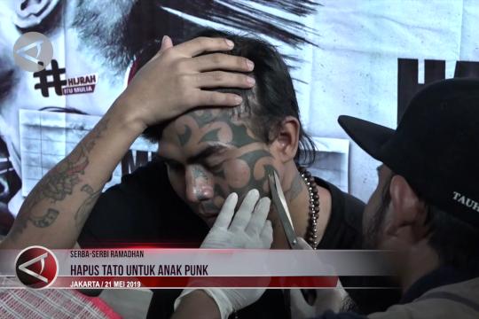 Hapus tato untuk anak Punk yang berhijrah