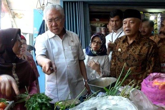 Mendag:  harga kebutuhan pokok di Malang lebih murah