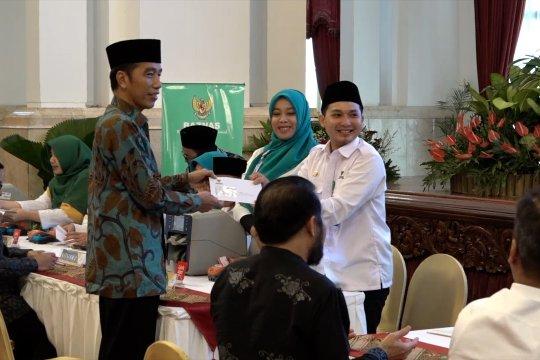 Jokowi tunaikan zakat maal Rp. 55 juta