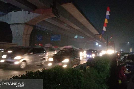 Tol Jakarta-Cikampek kembali padat pascapenutupan one way