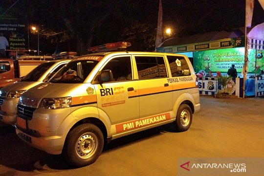 Pemkab Pamekasan sedikan dua unit ambulans untuk layanan mudik Lebaran