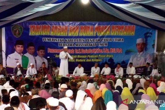 Wabup Penajam tutup safari Ramadhan bersama dai Das'ad Latif