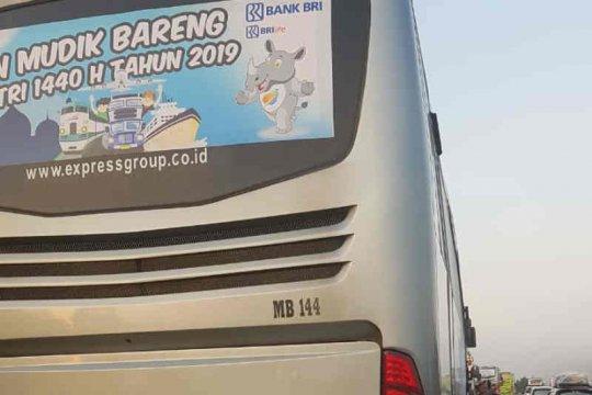 Bus pemudik terbakar di Cipali satu orang luka