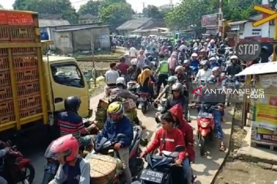 Pemudik diimbau gunakan jalur alternatif Sukabumi