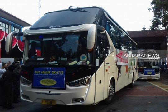 748 pemudik gratis asal Sukabumi  diberangkatkan ke Jateng