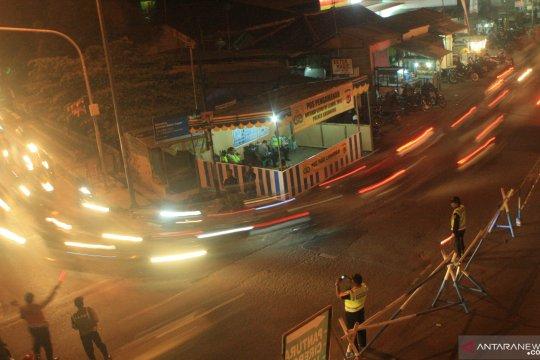 Pemudik Bermotor yang Melintasi Jalan Arteri Karawang meningkat