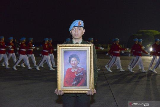 Presiden akan pimpin upacara pemakaman Ibu Ani