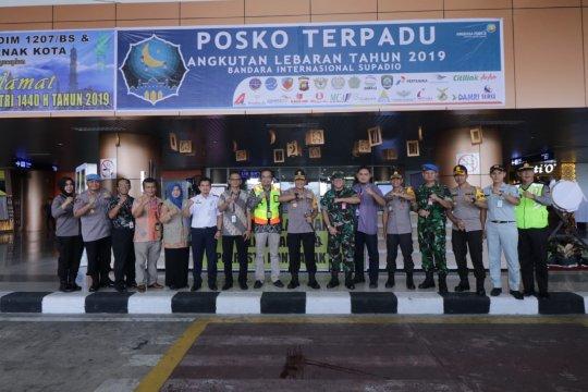 Kapolda Kalbar pantau arus mudik di Bandara Supadio Pontianak