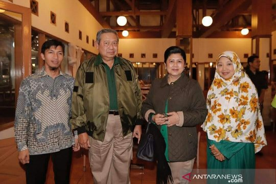 Warga Cianjur nilai Ani Yudhoyono merupakan pribadi ramah dan peduli