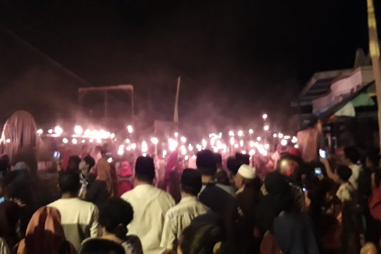 Warga Ternate meriahkan tradisi malam lailatulkadar
